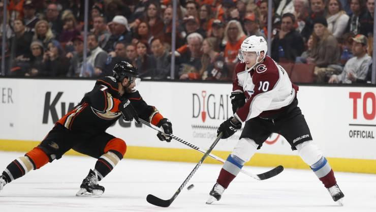 Für Sven Andrighetto (rechts) geht es im letzten NHL-Qualifikationsspiel mit Colorado gegen St. Louis um den Playoff-Einzug