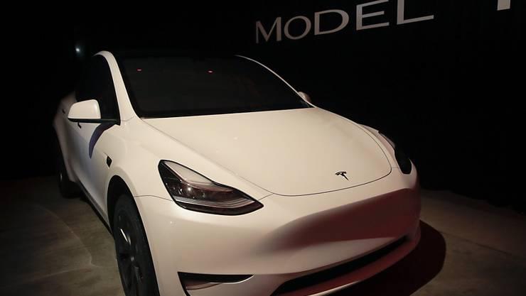 Teslas SUV auf Basis des Model 3 soll im Herbst 2020 kommen. (Archiv)