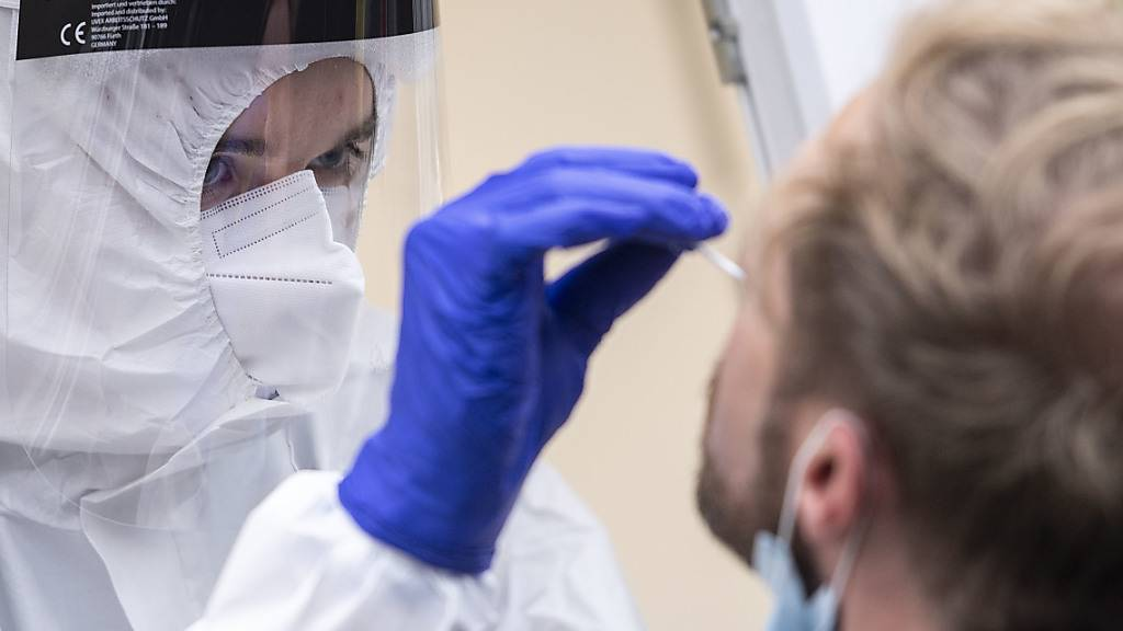 Rekord bei Neuinfektionen in Deutschland: Fast 15 000 neue Fälle