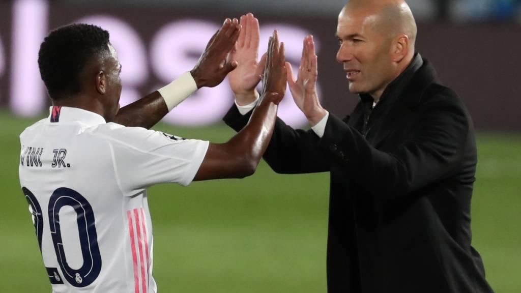 Zinédine Zidane hofft auch nach dem Clasico mit seinen Spielern abklatschen zu können