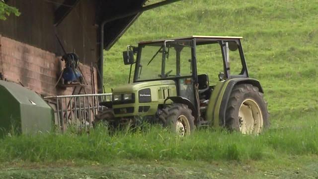 Bauer vom eigenen Traktor überrollt