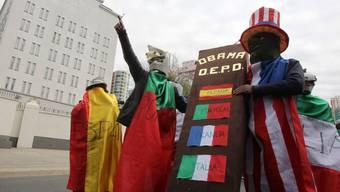 Protest gegen vier EU-Staaten bei der US-Botschaft in La Paz