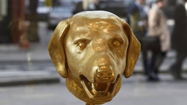 Goldener Hundekopf - ein Werk des chinesischen Künstlers Ai Weiwei