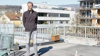 Der 58-jährige Peter Gloor auf der Terrasse seines Büros in der Laurenzenvorstadt.