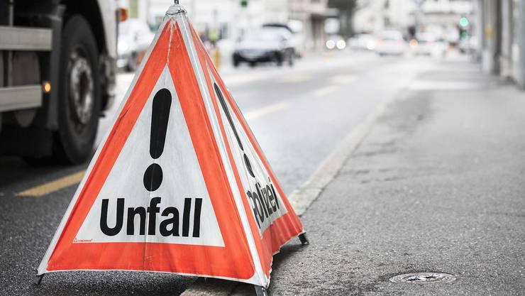 Die Strasse war stadteinwärts während rund zwei Stunden gesperrt. (Symbolbild)