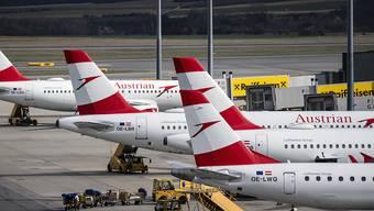 Die zur Lufthansa-Gruppe gehörende Austrian Airlines verkleinert wegen der Coronakrise ihre Flotte. Der Neustartplan sieht 2022 eine Flotte von rund 60 Flugzeugen vor. Derzeit sind es 80 Maschinen. (Archiv)