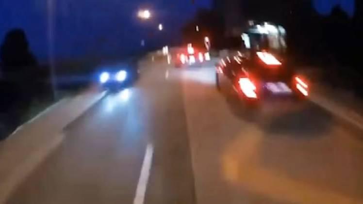 Von der Verfolgungsjagd existiert ein Video, das mit der Helmkamera des Töfffahrers aufgenommen wurde.