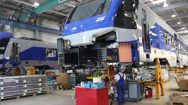 Sonderzug nach Pankow: Bei Stadler Rail in Berlin-Ost werden Regionalzüge gefertigt. Foto: Peter Burkhardt