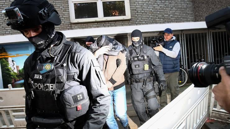 Eine Hamburger Anti-Terroreinheit im Einsatz. Symbolbild. (Quelle: Keystone)