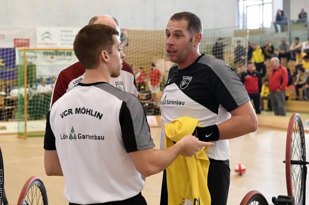 Nick Metzger (l.) und Stefan Stefan Lützelschwab (r.) dürfen für einmal bei der Elite mitmischen.