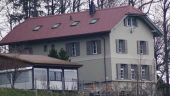 Nun ist es definitiv: Der Kanton vermietet die alte Bergschule an das Zentrum Bachtelen.  (Archiv)