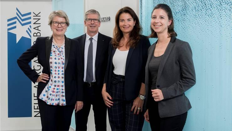 Jurypräsidentin Corina Eichenberger, NAB-CEO Roland Herrmann, SRF3-Moderatorin Judith Wernli und NAB-Charity-Projektleiterin Seline Keller.