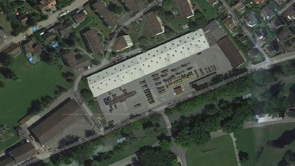 In den Motorfahrzeugdienst-Hallen Ländi in Brugg sollen bei steigenden Flüchtlingszahlen bis zu 230 Personen untergebracht werden.