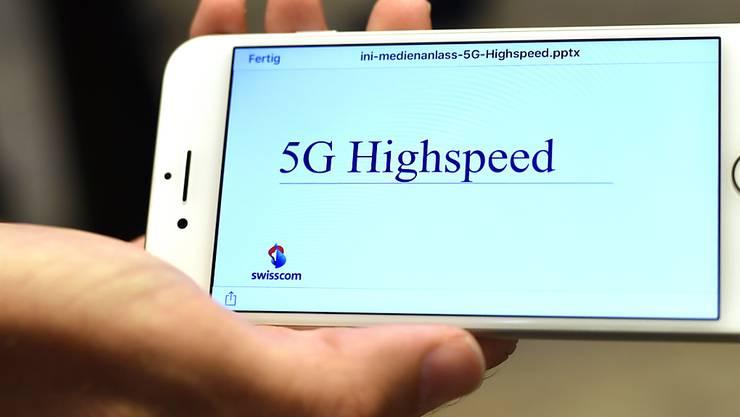100 Mal schneller als die jetzige Spitzentechnologie 4G: Das neue Handynetz 5G erlaubt ultraschnelles Surfen. (Symbolbild)