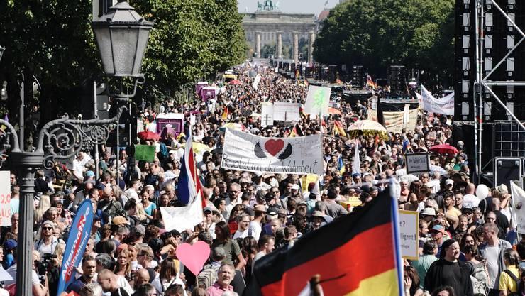 Rund 30'000 Menschen demonstrierten in Berlin gegen die Corona-Politik der Deutschen Regierung.