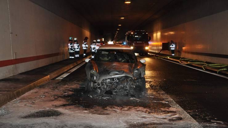 Das ausgebrannte Auto im Wititunnel.