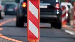 Am Dienstagnachmittag kam es ausserhalb von Brittnau zu einer Streifkollision zweier Autos. (Symbolbild)