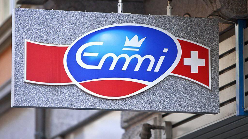 Der Milchverarbeiter Emmi hat im ersten Halbjahr mehr Umsatz und Gewinn erzielt. (Archiv)