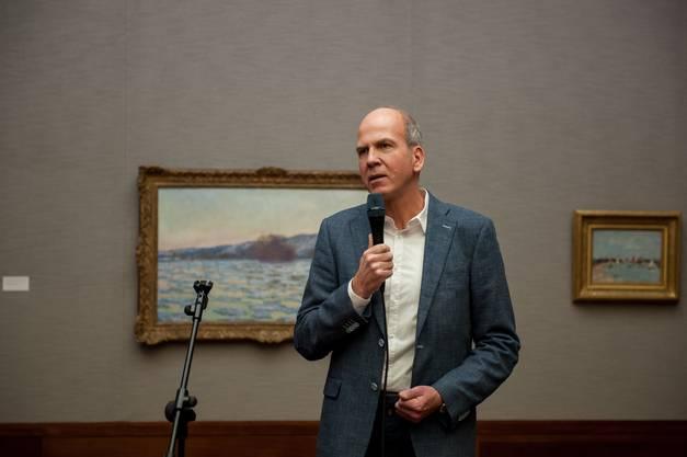 Museumsdirektor Markus Stegmann spricht an der Vernissage zur neuen Ausstellung in der Langmatt