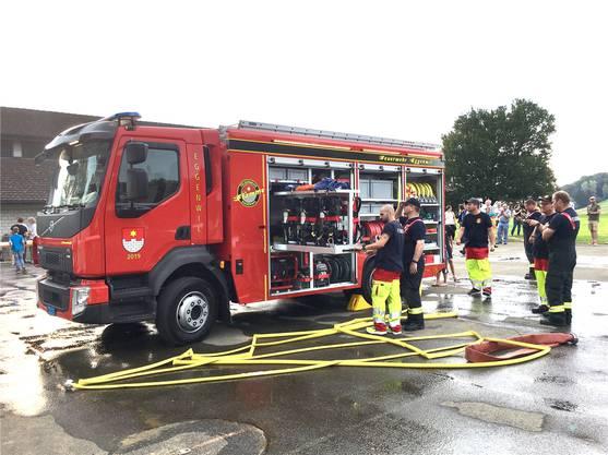 Feuerwehr Eggenwil: Präsentation und Einweihung des neuen Tanklöschfahrzeugs.