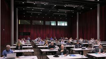Um die Abstandsregeln einhalten zu können, findet die Sitzung des Einwohnerrats im Campussaal Brugg-Windisch statt.
