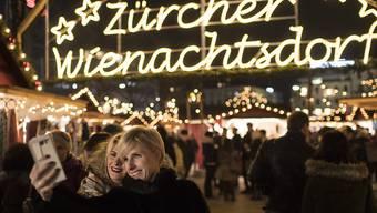 Wegen der Coronavirus-Pandemie findet das Wienachtsdorf auf dem Zürcher Sechseläutenplatz in diesem Jahr nicht statt. (Archivbild)