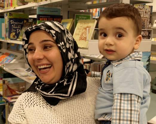 Könül Dogan fand es super und wird auch beim nächsten Treffen im Dezember wieder mit Atakan (17 Monate) und Zehra (1 Monat) dabei sein, wie sie sagt.
