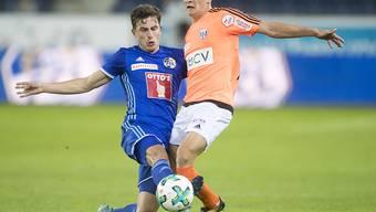 Mersim Asllani (rechts) im Zweikampf mit Luzerns Oliver Custodio