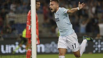 Lazios Ciro Immobile feiert mit seinem Team den Gewinn des italienischen Supercups