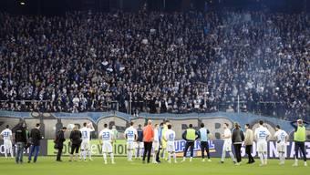 Die Spieler des FCZ mussten sich vorgestern vor der Südkurve für den Abstieg in die Challenge League entschuldigen.