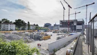 Das vorerst letzte Zeugnis des FHNW-Booms: Der Campus in Muttenz, der sich derzeit im Bau befindet. Foto: Kenneth Nars