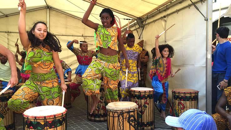 Café au Lait bei ihrer Rhythmusvorführung.