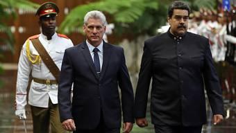 Kubas neuer Präsident Miguel Díaz-Canel (links) empfängt seinen venezolanischen Kollegen Nicolás Maduro.