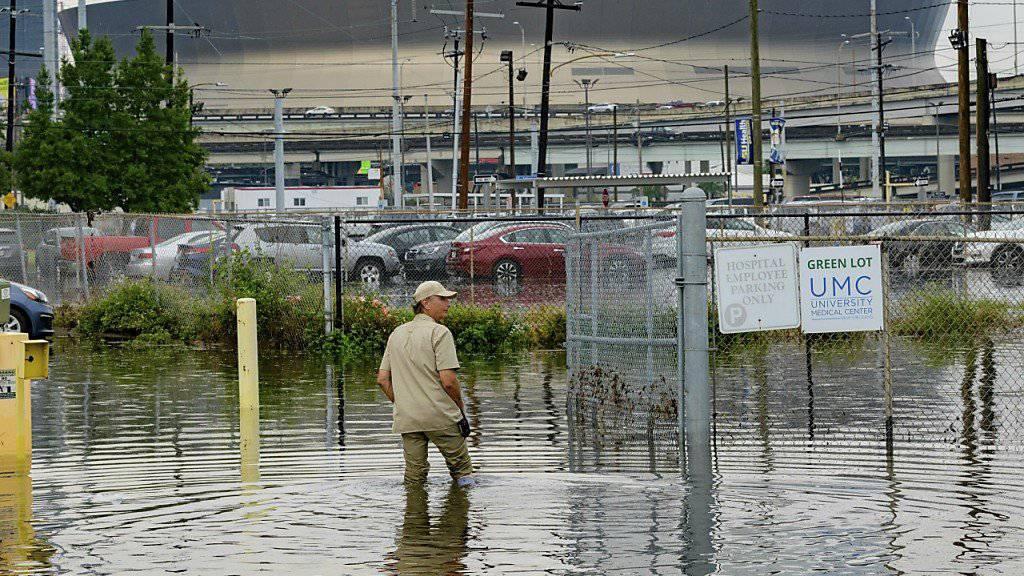 """Teile von New Orleans stehen bereits seit Mittwoch unter Wasser. Für den Bundesstaat Louisiana wurde angesichts des herannahenden Tropensturms """"Barry"""" der Notstand ausgerufen."""