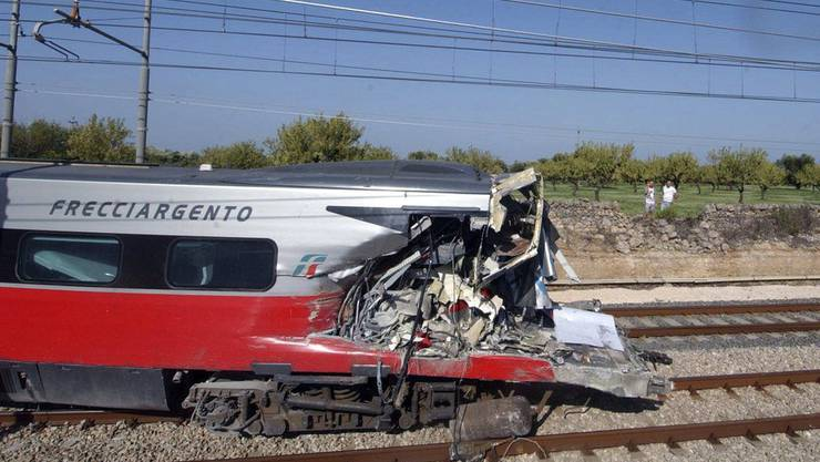 Der Unglückszug: Der Schnellzug, der von Rom nach Lecce unterwegs war. Bei Cisternino kam es zum verhängnisvollen Crash.