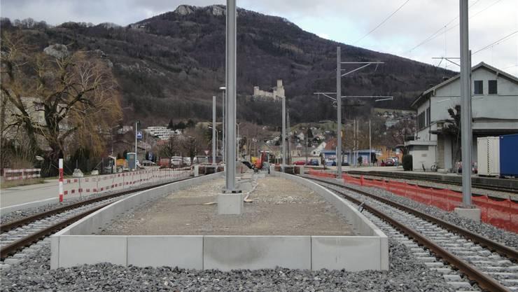 Schon bald fertig: die im Bau befindliche Perronanlage für den neuen asm-Bahnhof Oensingen.aro