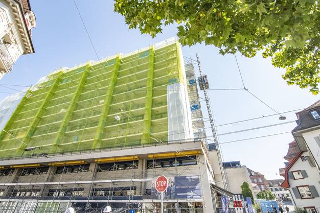 Für den Umbau mussten hundert Büroplätze umgesiedelt werden.