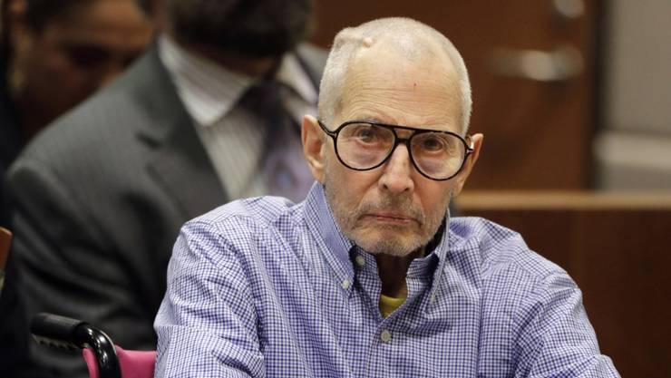 Der New Yorker Immobilienerbe Robert Durst, dessen bizarres Leben auch Thema einer Serie des Bezahlsenders HBO war, muss sich wegen Mordes vor Gericht verantworten. (Archivbild)