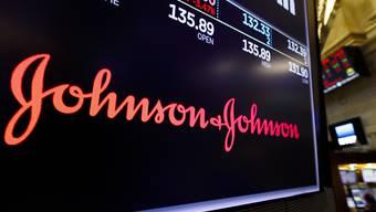 Der amerikanisch Konzern Johnson & Johnson hat sich in einem wichtigen Gerichtsprozess in den USA mit einem Vergleich freigekauft. (Archivbild)