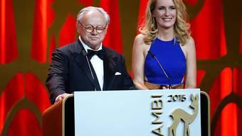 Preis-Stifter Hubert Burda mit seiner Ehefrau, der Schauspielerin Maria Furtwängler, an der Bambi-Verleihung in Berlin.