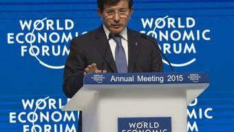 Der türkische Ministerpräsident Ahmet Davutoglu am WEF in Davos