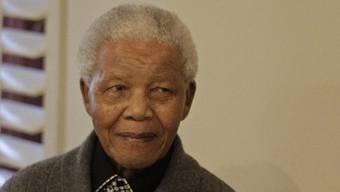 Nelson Mandela befindet sich in Spitalpflege (Archiv)
