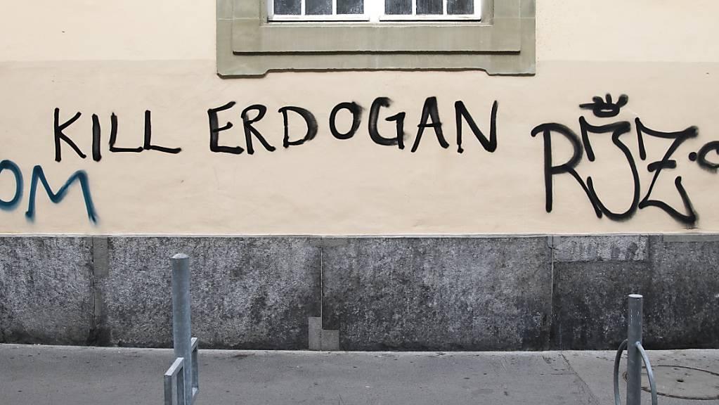 Die Aufforderung «Kill Erdogan» hat keine strafrechtlichen Folgen. Die Türkei wehrte sich bis vor Bundesgericht gegen Schriftzüge wie diesen, allerdings vergeblich. Im Bild ein Schriftzug aus Bern. (Archiv)