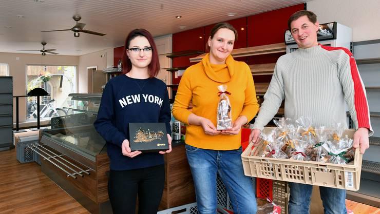 Von links Filialleiterin Elisa Tonet sowie Tanja und Ralph Luder, die Inhaber von Brot & So.