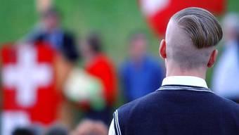 Ein Anhänger der rechtsradikalen Szene bei einer Veranstaltung zum 1. August im Wallis.