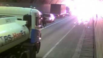 Auf diesem Video wird der Autofahrer-Albtraum wahr.