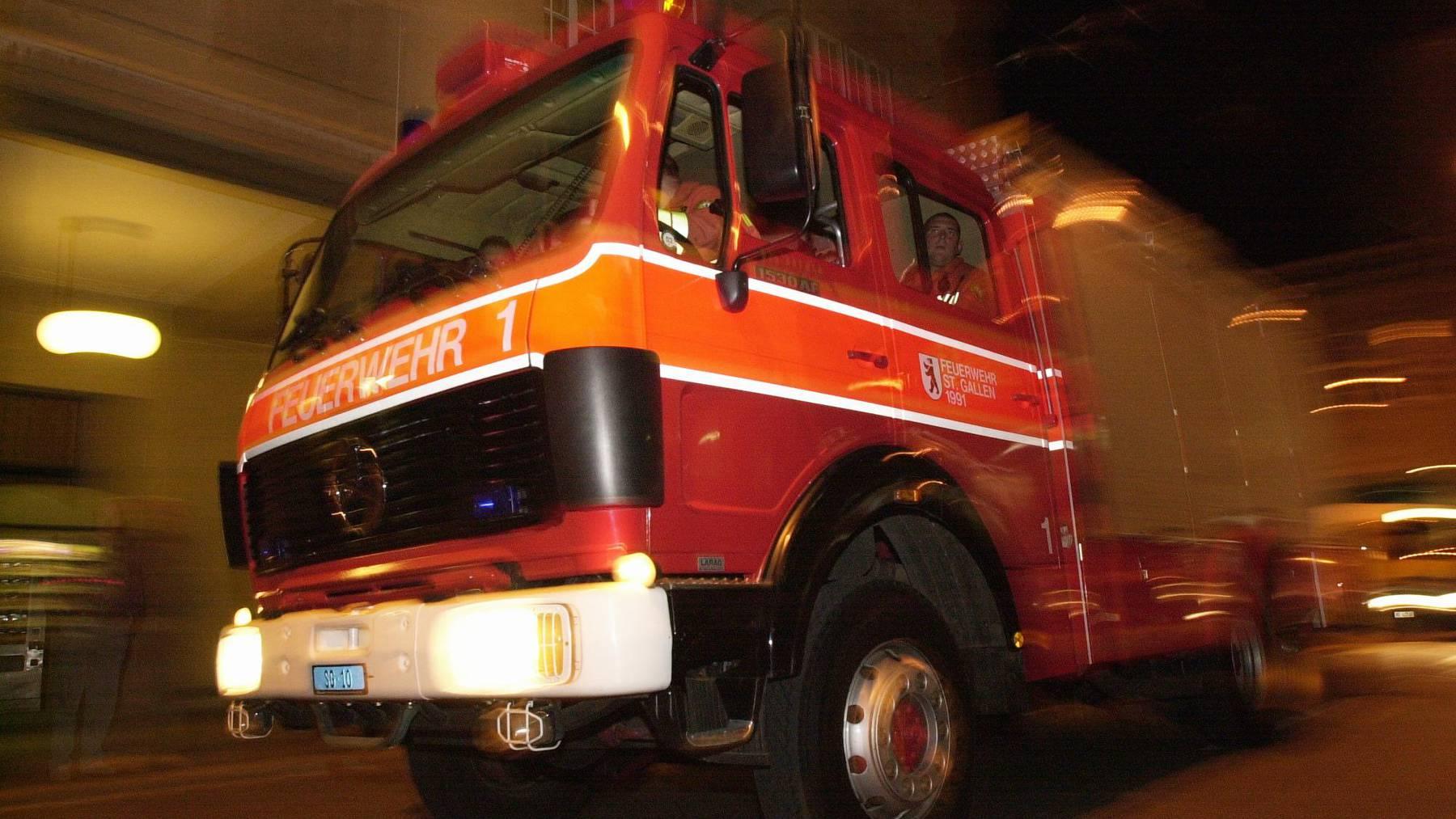 Die Feuerwehr St.Gallen war am späten Freitagabend an der Rehetobelstrasse im Einsatz.