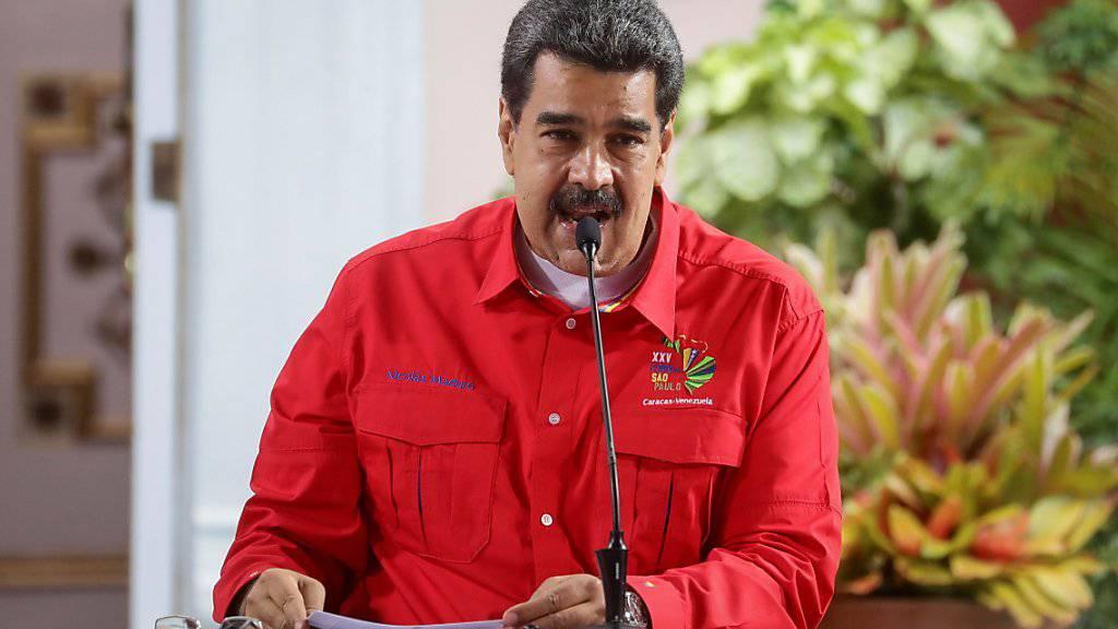Die Vereinigten Staaten haben am Montag jeglichen Besitz der Regierung des Linksnationalisten Nicolás Maduro in den USA blockiert.