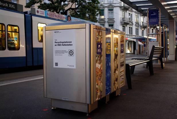 Solche Recyclingstationen kennt man bisher vor allem von Bahnhöfen.
