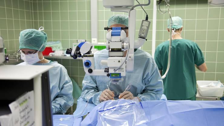 Die Kantone sollen sich künftig an den Kosten ambulanter Behandlungen beteiligen.